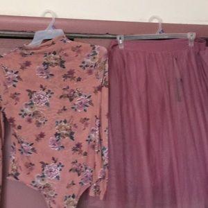 Dresses & Skirts - Set $40 top 2x bottom 3x never been worn